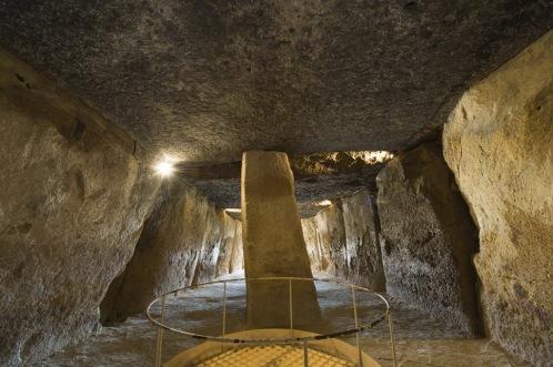 dolmen_of_menga_2