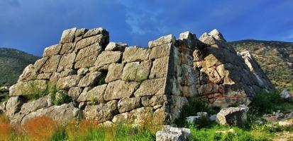 nea-acropoli-greek-pyramids
