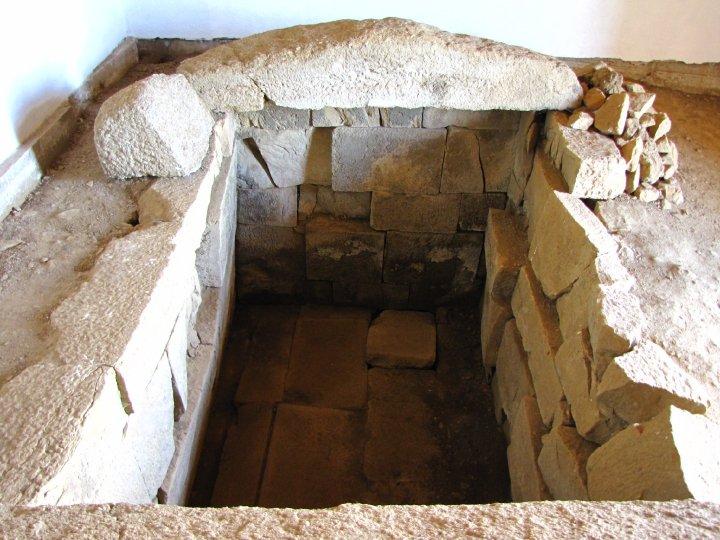 Kazanlak SZ - Thracian tomb - 1