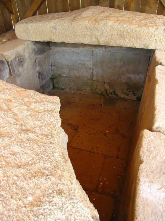 Starosel PD - Thracian tomb - 12