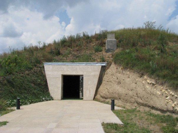 Thracian Tomb - Bulgaria - Sveshtari RG - 1