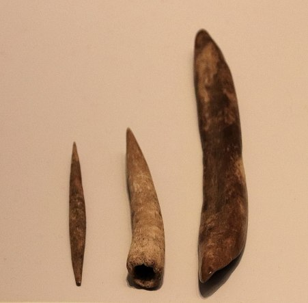 Aurignacian Culture bone tools (needdle, points and tools for punching holes), Hayonim Cave, 30,000 BP.